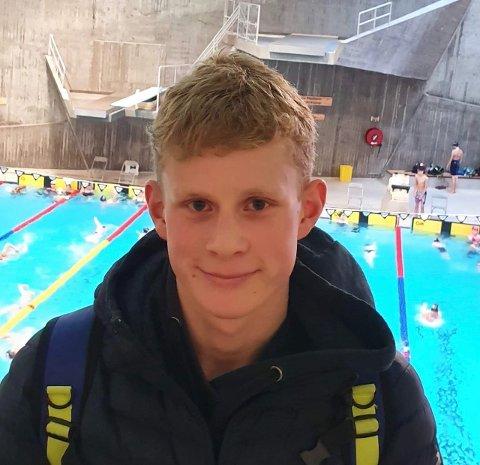 KVALIFISERT TIL NM: Harald Aakre Hansen kvalifiserte seg til NM for junior på 50 meter fri.