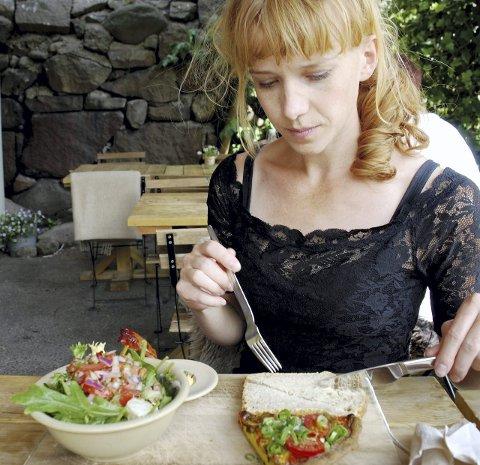 Bedre: Hos Kolonihagen i rådhusgata har de gode alternativer for vegetarianere, mener Anne Marte Wahl Gran. Foto: Marikken W. Wathne