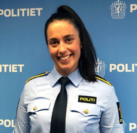 SKAL BEKJEMPE DYREKRIMINALITET: Stine Marie Brox Gundersen (36) fra Leknes blir den første dyrepolitibetjenten i Nordland.
