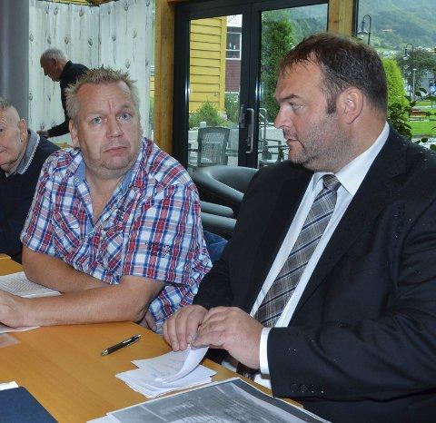 Politiske Skillelinjer: Nils Petter Freim (H), til venstre, og ordfører Roald Aga Haug (Ap).