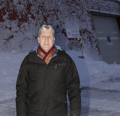 Vikingleirskolen: Inge Elvebakk skal selge vikingleirskolen på Borg.