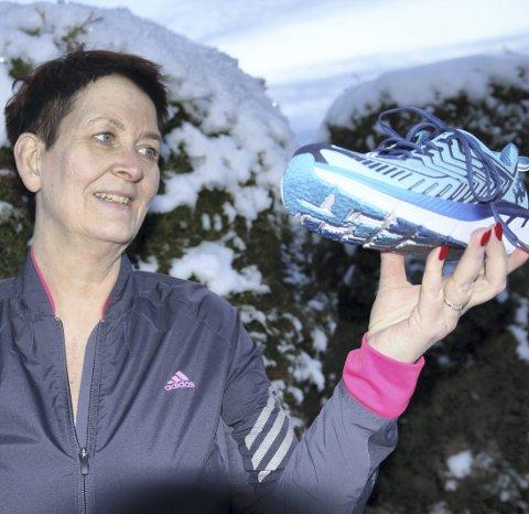 1 Å løpe eller ikke løpe: Sandra Holberg er ferdig med behandlingen for prolaps i nakken. Nå skal hun på med joggeskoene og begynne å løpe, for å nå den tøffe målsettingen hun har satt seg for neste år.