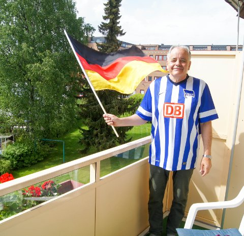 1 fanebærer: Øystein Hanssen har holdt tyskfagets fane høyt i 41 år.