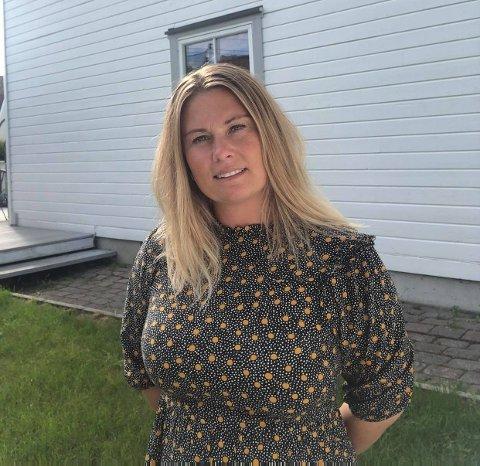 BUTIKKSJEF: Hege Moen Andersen (40) overtar som daglig leder i Kirkenær Sportsforretning, og flytter hjem til Grue med samboer Stian Johnsen og to barn.
