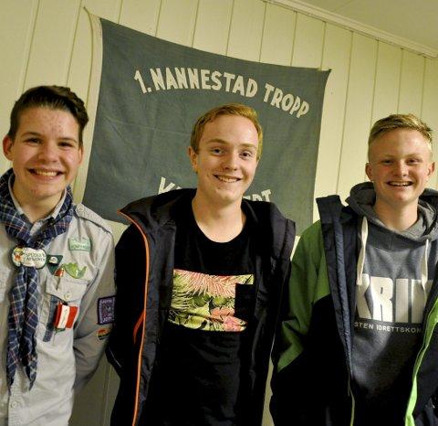 GLEDER SEG: Speiderkompisene Magnus Tomtsveen (14), Tor-Markus Haug (13) og Sindre Bamrud (15).