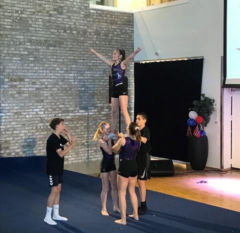 TALENTSHOW: En gruppe fra syvende klasse gikk av med seieren, da Sandesundsveien skole avholdt sin tradisjonelle talentiade onsdag.