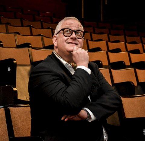 Hjørnestein: Ivar Halstvedt har gitt ut bøker om etablering og utvikling av kinodrift. Han er en hjørnestein i norsk kinohistorie, med snart 30 år i bransjen.