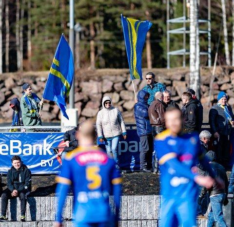 SÅ NÆR, SÅ NÆR: Teie-supportere kunne glede seg over alt annet enn det viktigste, resultatet, mot Sandefjord Fotball 2.