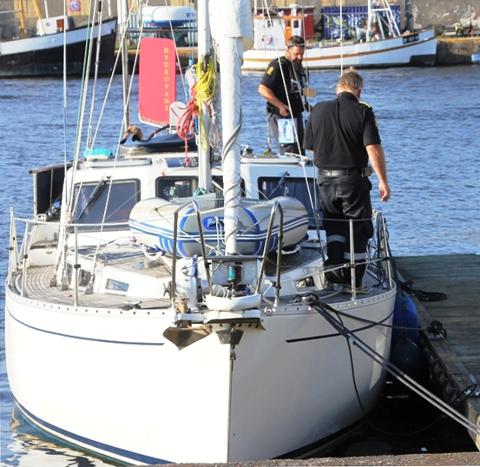 Seilbåten ble beslaglagt og fraktet til Fredrikstad.