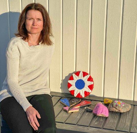 POPULÆRT: Eva Carstens-Overn har skapt en møteplass for innbyggerne under koronatiden. Nå går de sammen om å sette farge på sentrum.