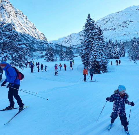 Mange benyttet søndagen til en skitur i sola denne helga. Denne uka er det meldt opphold og kaldt fint vintervær.