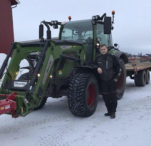 DRØMMEYRKET: Lars Kristian Kopperud (19) er bonde.