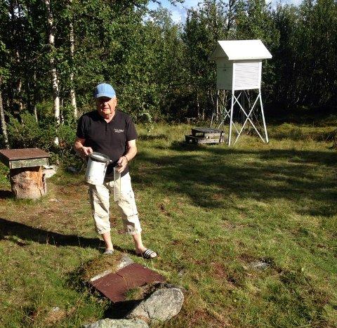 Ekstremt: På sin private målestasjon har den pensjonert meteorologen, Gustav Bjørbæk, målt 64,8 mm nedbør på 12 timer.