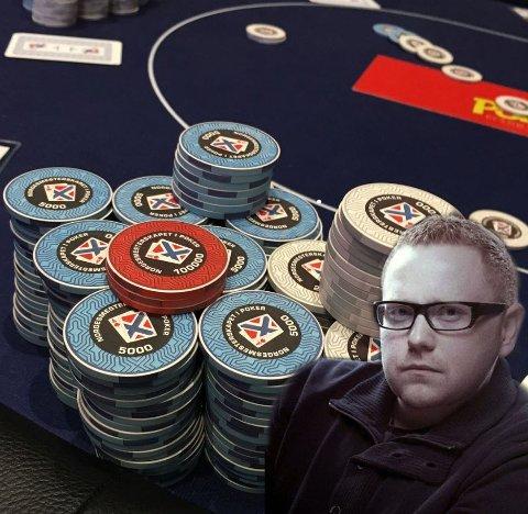 Kriminelt bra i poker: Jan-Erik Fjell er mest kjent for sine krimbøker. Nå gjør han det også kriminelt bra i poker-NM: