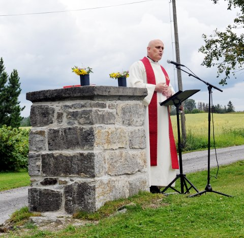 Lars Harald Tjøstheim sto for olsokgudstjenesten på Dyste gård