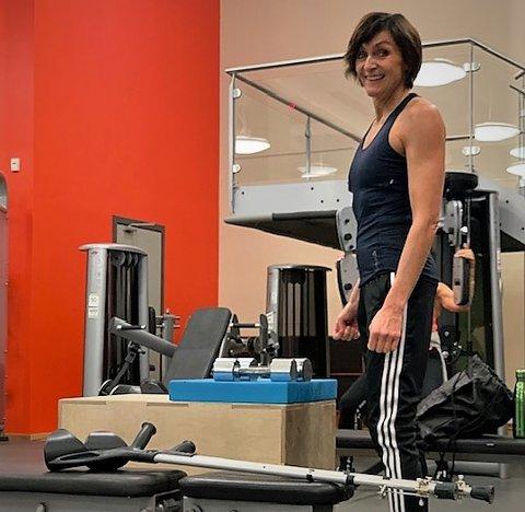 Kastet krykkene: Det er ni måneder siden Ellen skiftet ut den andre hofta, og hun har for lengst kastet begge krykkene.