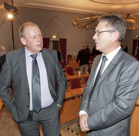 STÅR PÅ SAKSLISTA: Per-Kristian Dahl (tv) får det som han vil. Ordfører Thor Edquist setter opp gymsalen på sakslista 11.juni. Arkiv