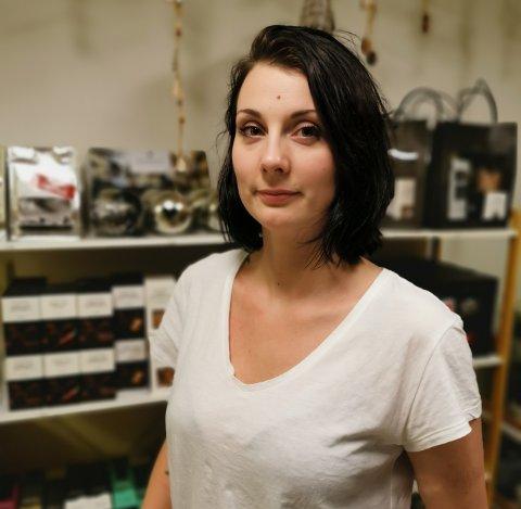 Sandra Walmstedt tok med den lille butikken Lundeli og flyttet inn på Hamnholmbrygga.