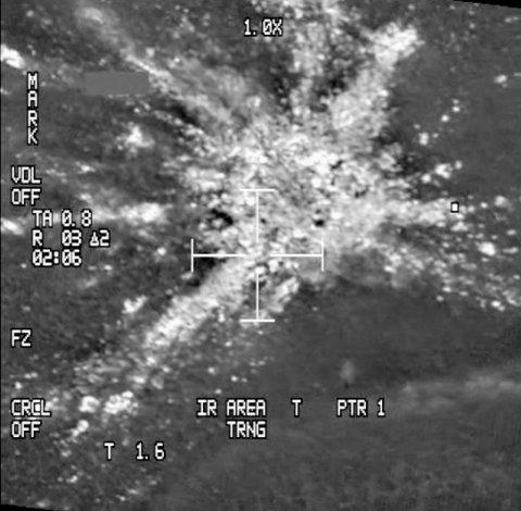 --, Sverige 20160108. Videograb fra luftforsvaret viser havaristedet til postflyet som var på vei med norsk post fra Gardermoen til Tromsø på vegne av Posten Norge som styrtet i Gällivare-fjellene ved grensen til Norge. Redningspersonale antar at det ikke er noen mulighet for at de to pilotene om bord har overlevd. Foto: Luftforsvaret NATO QRA Bodø / NTB scanpix