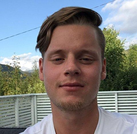 SAKNAR FOTBALLEN: Alexander Aukland Schmidt har trent med ein meters avstand sidan januar, men saknar å spela vanleg fotball.