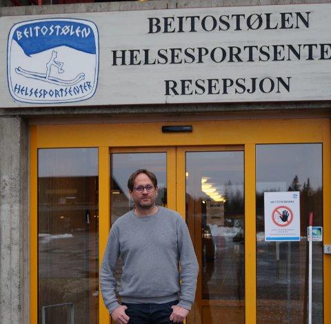 TRYGG: Lars Kristian Dalen har ansvaret for alle de praktiske smitteverntiltakene ved Beitostølen Helsesportsenter.