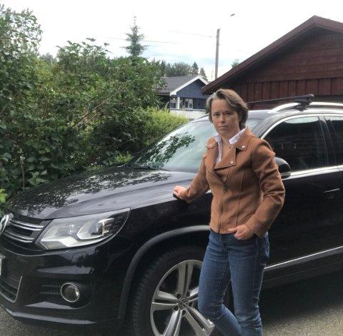 GRENSEOVERGANGER: Hanne Narvestad ønsker at regjeringen vil åpne flere grenseoverganger, slik at grensependlerne slipper å stå i kø frem og tilbake fra jobb.