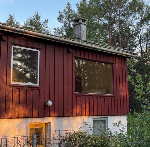 NÆRSOMMER: Det nye, gamle, sommerhuset til Bente Marie Friis Hausken ligger en halvtimes biltur hjemmefra.
