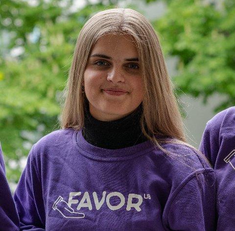 GRÜNDER: Emma T. Vegel (19) får ikke nok av nye ideer og entreprenørskap. Denne uka konkurrerer hun og kollegene i Favor i NM for studentbedrifter.