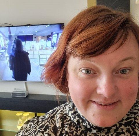 SPENT VENSTREPOLITIKER: Margethe Prahl Reusch fra Lillestrøm er 6. kandidat for tre valgkretser i Viken. Hun skal i kveld delta på Venstres valgvake på Det Norske Teatret.  – Nå følger jeg valgsendingene fra et hotell i Oslo, opplyser hun om.