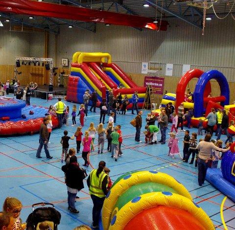 HOPP OG SPRETT:  Søndag er det duket for Barnas Dag i Sætrehallen - den 11. i rekken. Arkivfoto: Per D. Zaring