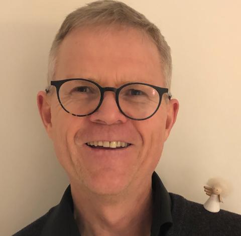 Morten Sandland setter stor pris på å få høre de klassiske julesangene.