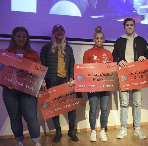 De fem øverste i BAs talentkåring for 2017 er Anna Dorthea Espevik, Synnøve Medhus, Rikke Nygard og Pål Haugen Lillefosse som fikk 10.000 kroner hver fra Sparebanken Vest. Vetle Bergsvik Thorn var ikke til stede under utdelingen.
