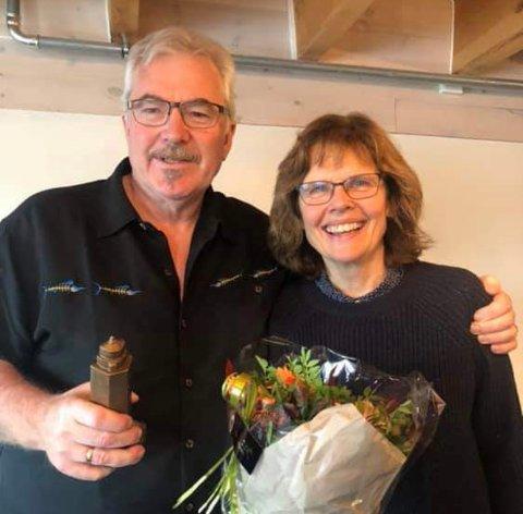 Anders og Anne Berit Olsen fikk kulturprisen 2019 på Kvitsøy.