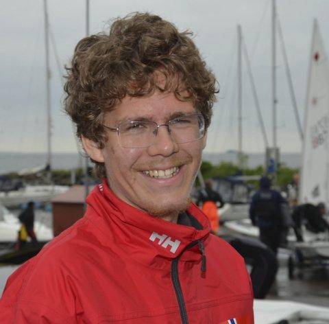 Seiler fort: Lars Johan Brodtkorb har mulighet til å hente sin femte seier på Gardasjøen. foto: vidar kalnes