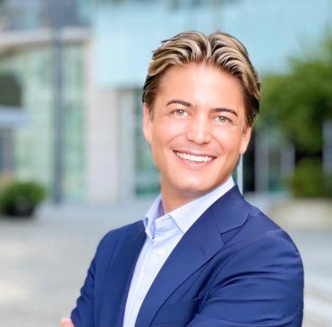UNNGÅR: Arild Fagerland (33) mener Karmøy har et stort uutnyttet potensial når det kommer til turisme og reiseliv. Han forklarer at han kjenner til flere personer som unngår turen innom Karmøy under Norgesferien.