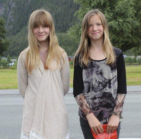 Korsøstre: To av de som skal delta på Korsommerskole fra Vefsn er Emilie Danielsen (12) til venstre og Hedda Danielsen (11) foto: Benedicte Wærstad