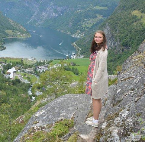 POLITIKER: Hanna Elise Hagebakken takker for tilliten og ikke minst for støtten hun har fått siden hun bestemte seg for å bli aktivt medlem i SV i Vestre Toten.