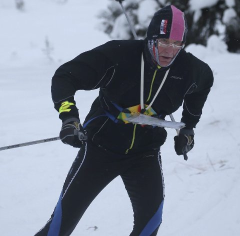 BEST I ALT: Evigunge Sigurd Dæhli mister aldri gleden av å konkurrere. Og løtensokningen vinner stort sett alt han stiller opp i, selv om han konkurrerer med brudd i hånda.