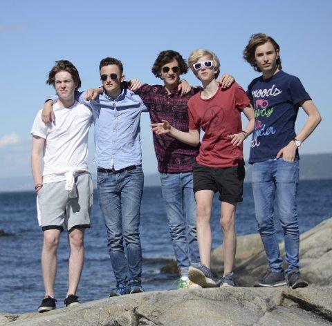 Festivalklare: Beat2Fire fra Nærsnes skal lage strandfest på Sætre lørdag. Foto: Morten Byholt.