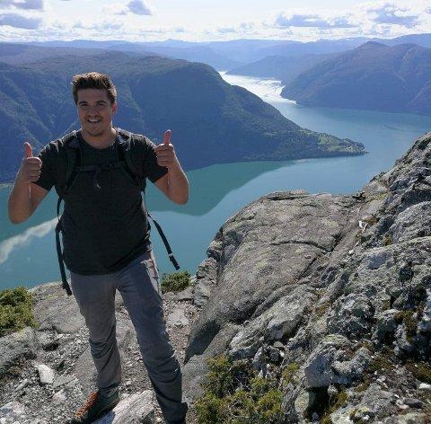 SJEF: Olav Øyrehagen på fjelltur til Molden, i kommunen han no har fått ny sjefsjobb i.