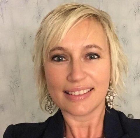 Hanne Lothe har formelt sett vært ansatt som rektor ved Lunde skole, men har siden desember i fjor fungert som rektor ved Rødsmyra skole. Nå får hun nye utfordringer i Sarpsborg kommune.