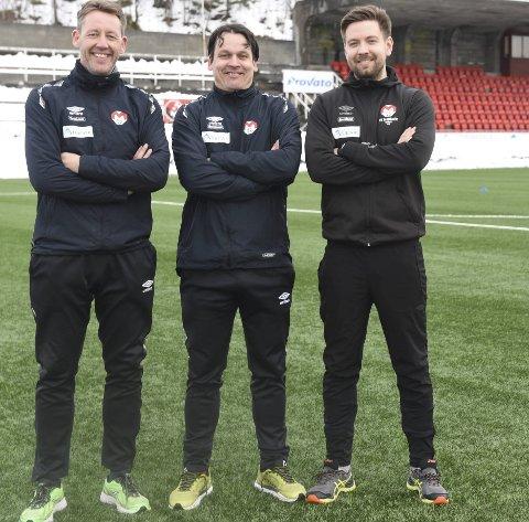 TRENERTRIO BLE DUO: Håvard Hatle, i midten, dro. Andre Christensen (t v) og Robin Bergfald er fortsatt med.  Foto: Kolsvik