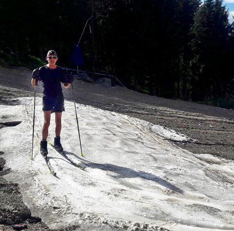 SKIGLEDE: Tom Stensaker går på ski så lenge det er snø. - Ingenting kan måle seg med Lygna i 1985, sier han.