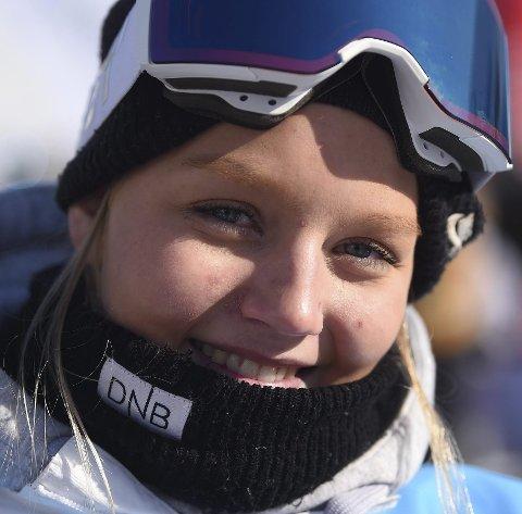 DOBBELTMESTER: Ida Sofie Nes vant både slopestyle og big air i junior-NM i freeski på Dombås.FOTO: OLE JOHN HOSTVEDT