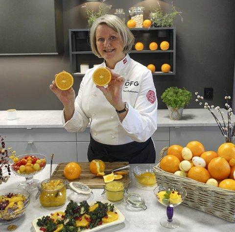 Ambassadør: Toril Gulbrandsen er en ambassadør for appelsinen gjennom sin rolle på Opplysningskotoret for frukt og grønt, som har kontorlokaler på Langhus.