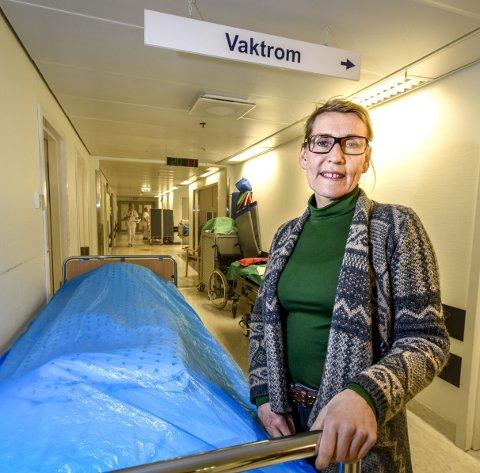 – Vi har fem enheter, som er på forskjellige nivå; rødt, gult og grønt når det kommer til arbeidsmiljø, innledet administrerende direktør i Helgelandssykehuset Hulda Gunnlaugsdottir.