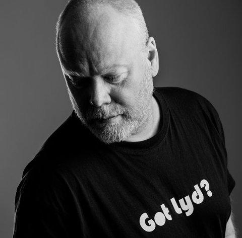 Frants Notevik Ellingsen holder konsert på Båtbua på Gjeving Langfredag.