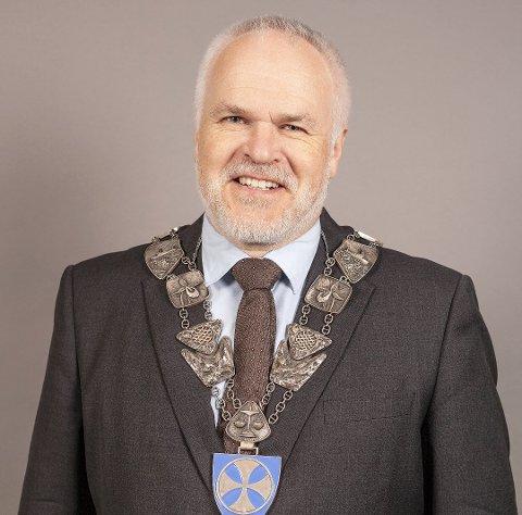 ORDFØRER: Dag Sigurd Brustind (H) i Ibestad risikerer å miste ordførerkjedet selv om han fikk over halvparten av stemmene. Foto: Chili Harstad