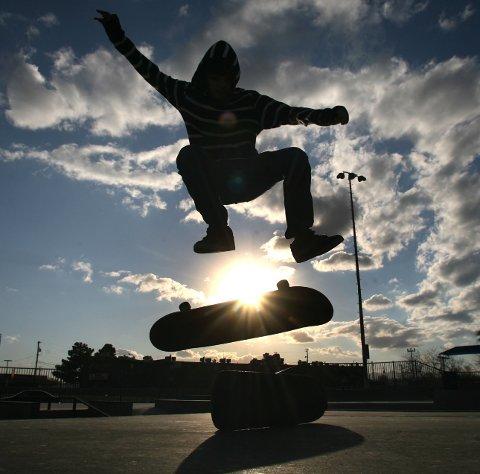 SATSER HØYT: Skatepark er blant de planlagte tilbudene i en aktivitetspark på Gjøklep. ILL.FOTO: AP Photo /NTB