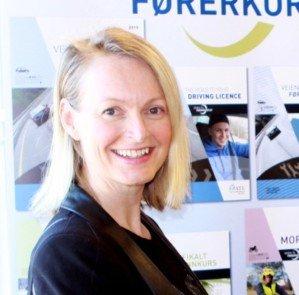 Ann Kristin Thomte driver Thomtes Trafikkskole i Gjøvik.